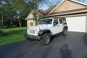 2017 Jeep Rubicon Unlimited (low mileage)