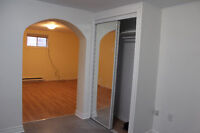 Apartment 3 1/2 Renovated and spacious near Metro L'Acadie