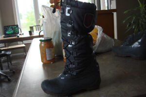 Canadiana women's boots