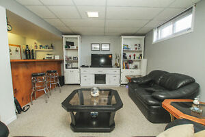 COMPLETELY UPDATED!! Cornwall Ontario image 9