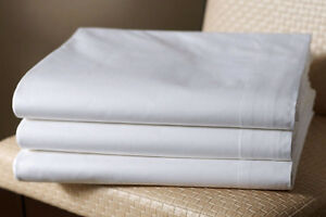 Spa table sheets, Towels,Luxury 100% cotton Bath robes Kitchener / Waterloo Kitchener Area image 1