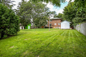Spacious 3 bedroom house with huge backyard in Whitby