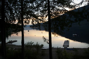 Amazing Shuswap Lakefront Cabin Cottage Vacation Holiday Rental