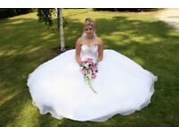 Stunning Wedding Photographer/Photography available from £380