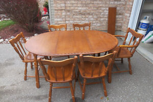 KITCHENER OR DINING SET - OVAL TABLE AND 6 CHAIRS