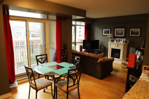 Stunning 1 bedroom +  Den, walking distance to the downtown core