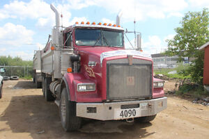 2000 KENWORTH T800 DUMP TRUCK WITH 2005 JP QUAD TRAILER