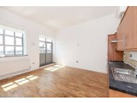 SPACIOUS 2 BED WAREHOUSE CONVERSION IN DALSTON