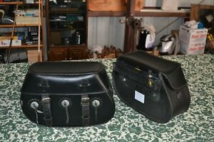 LEATHER SADDLEBAGS AND EASY BRACKETS SUZUKI C90