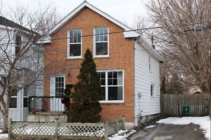 Fully Renovated 3 Bedroom House in the vicinity of McBurney Park