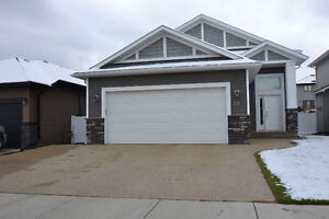 Main Floor House Attached Garage in Southbrook-$1650 -Avail Immd