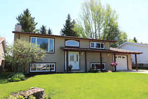 Family Home In Great Location - 31 Westview Dr, Lacombe $315,000