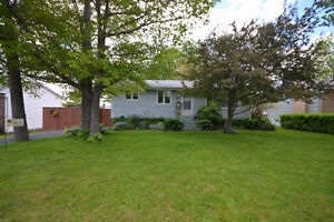 3 Bdrm Bungalow in Dartmouth.  Close to all amenities!