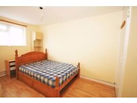 Double bedroom available in Old Street!