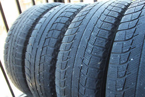 Four Michelin X-ice Xi2 winter snow tires Size: 195/65 R15