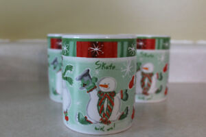 """  AVON "" SET OF 4 CHRISTMAS  MUGS"