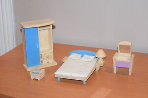 Wooden Doll house set - all inclusive West Island Greater Montréal image 7