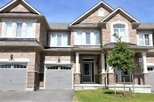 EXECUTIVE TOWNHOME FOR RENT *PRIVATE COMMUNITY* NORTH AJAX $1799