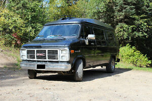 Beautiful 1990 GMC Vandura Conversion Van for sale