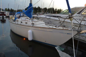 Sailboat - Hughes 38