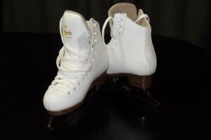Jackson Excel Girls Figure Skates (Patin artistique pour fille)