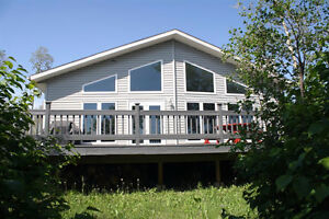 Waterfront Cabin Located at Struthers Lake