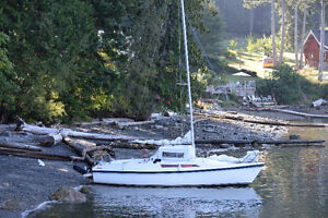 MacGregor 26D Sailboat with 9.9 HP Nissan on Trailer!!!