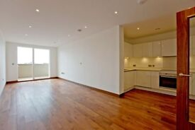 3 bedroom flat in Maygrove Road, West Hampstead, NW6