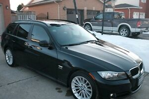2011 BMW 3-Series 328i xDrive Wagon - MINT!