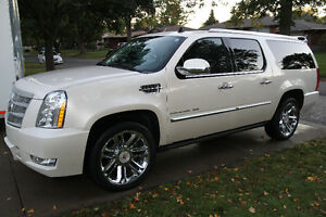 NEW PRICE!!! Escalade ESV Platinum- GM WARRANTY- LOTS OF EXTRAS