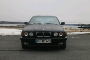 Bmw e34 530i RUNS AND DRIVES but is a project car