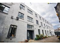 *** Huge Two Bed Two Bath Warehouse Conversion with Feature Exposed Brickwork in SE15 ***