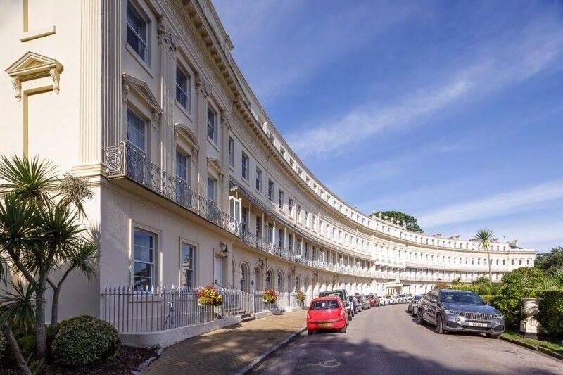 Holiday Apartment in Devon, The Osbourne Club, Torquay, 2 Bedroom Apartment