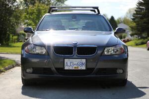 2007 BMW 323i avec Roof Rack