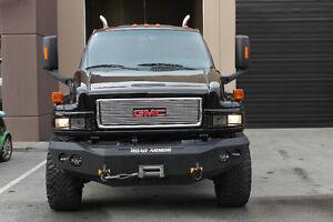 2007 GMC C4500  4 x 4 Top Kick Iron Hide Edition