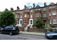 2 bedroom flat in Goldhurst Terrace, South Hampstead, NW6