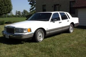 Beautiful 1990 Lincoln Town Car