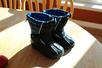 Boy and Girl Toddler Size 6 Boots