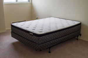 Very clean Queen size mattress+box+frame like new