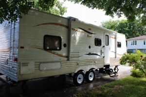 $ 13500 O.B.O. 2010 LIKE NEW! Spacious 12x4 slideout