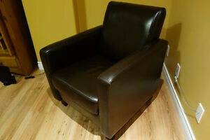 Bonded Leather Club Chair