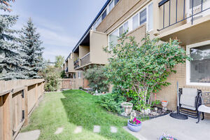3 BEDROOM KINGSLAND CONDO WITH BIG YARD!