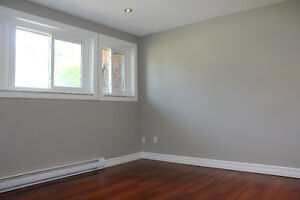 Completely Renovated 3 Bedroom Apartment- Available May1/17 Peterborough Peterborough Area image 9