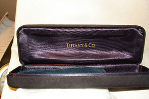 TIFFANY UNISEX WATCH WITH TIFFANY CASE RARE **NEW PRICE** London Ontario image 5