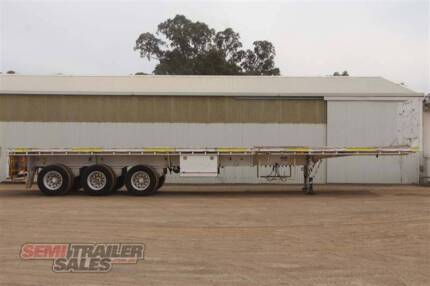 SN#171124 - 2012 CIMC 43FT Extendable Flat Top Semi Trailer
