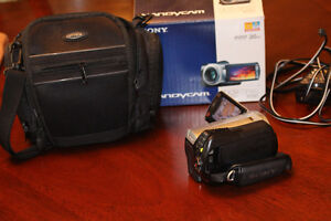 SONY HANDYCAM DCR-SR45 IN PERFECT CONDITION West Island Greater Montréal image 3