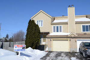 Large, open concept and bright 4 bedroom house