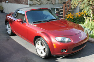 2007 Mazda MX-5 Miata Cabriolet