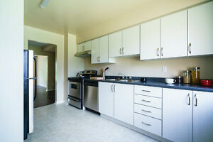 ReNTeD!! Sept.15--4-Bedroom Town Homes Sheppard AVE W. M3N