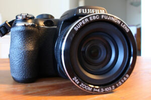 Fujifilm FinePix S4200 Compact Point & Shoot Camera